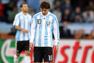 Messi, cabizbajo tras perder contra Alemania