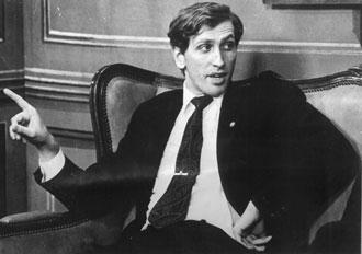 Bobby Fischer en los a�os 70, charlando antes de una competici�n