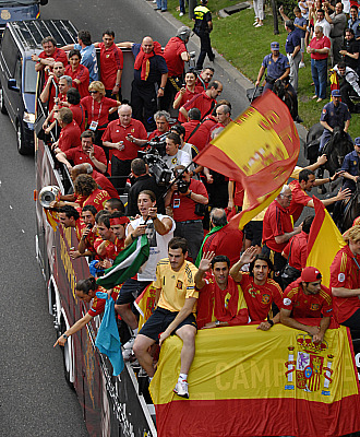 El autobús de la selección en las celebraciones de la Eurocopa 2008