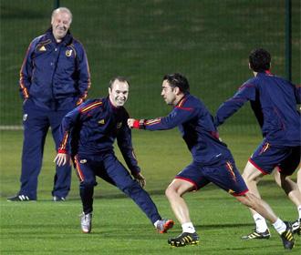 Los jugadores espa�oles sonr�en durante un entrenamiento