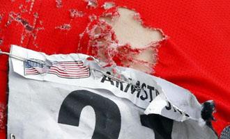 El maillot de Armstrong termin� lleno de rasgu�os tras las tres ca�das que sufri�
