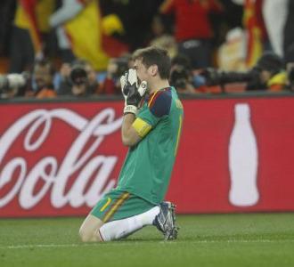 Casillas llora despu�s del gol de Iniesta