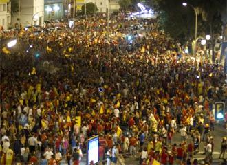 La Avenida de Andaluc�a de Huelva, abarrotada