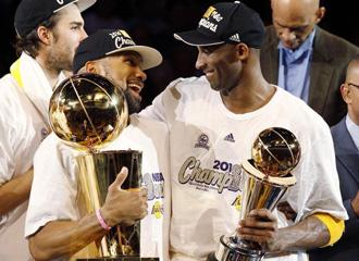 Kobe Bryant y Derek Fisher
