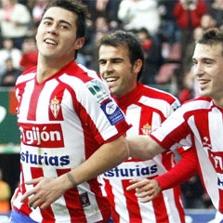 Maldonado celebra un gol junto a sus compa�eros Mate Bilic y Luis Mor�n