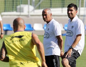 El nuevo entrenador del M�laga Jesualdo Ferreira, en una sesi�n de entrenamiento de su equipo en esta pretemporada