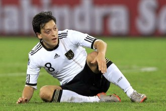 Ozil en un partido con Alemania