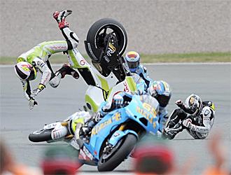 Espargar� y De Puniet, en el accidente.