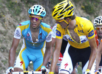 Contador sigue a Andy en la �ltima etapa.
