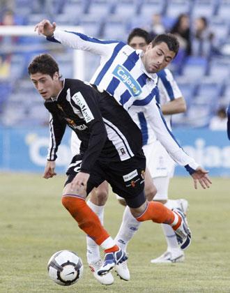 Escudero se deshace de Javi Fuego en un partido disputado la pasada campa�a