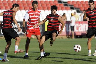 �lvarez ya trabaja a pleno rendimiento con sus jugadores