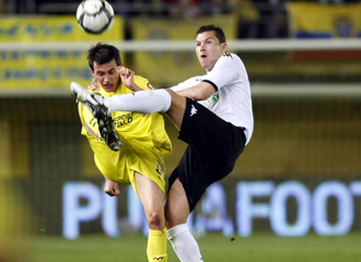 Navarro en un partido con el Valencia.