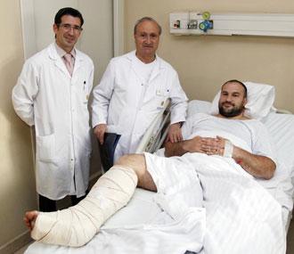 Manolo Mart�nez junto al doctor Guill�n en noviembre del a�o pasado