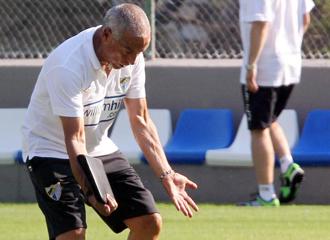 Ferreira dando indicaciones en el entrenamiento.
