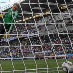 El pol�mico gol que no subi� al marcador durante el partido Alemania-Inglaterra