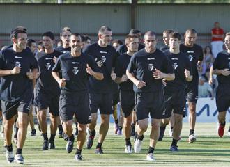 Los jugadores del Osasuna durante un entrenamiento.