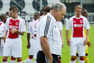 Martin Jol est� encantado en el Ajax