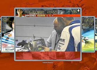 Valentino Rossi, vi�ndose en la imagen de la c�mara girosc�pica.