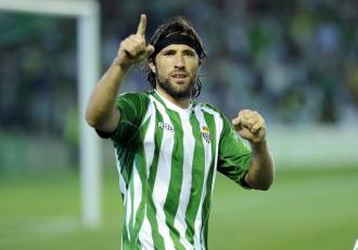 Pavone celebra un gol con el Betis