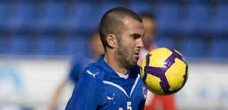 Manolo Mart�nez ser� uno de los puntales defensivos del club onubense para volver a Primera