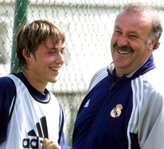 Guti con Del Bosque en un entrenamiento de la temporada 2000-2001