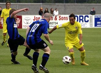 Santi Cazorla en plena acci�n en el primer partido de pretemporada del Villarreal