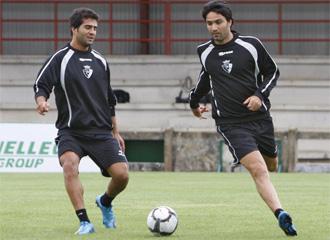 Nekounam y Masoud, durante un entrenamiento con Osasuna