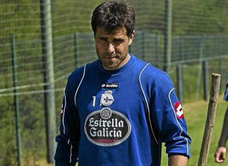 Dani Aranzubia en un entrenamiento del Deportivo de La Coru�a en la pasada temporada.