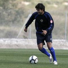 El centrocampista Jorge Alonso en un entrenamiento con el H�rcules