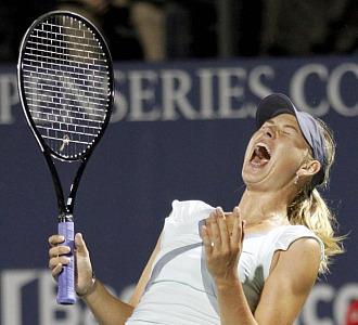 Sharapova celebra su pase a la final
