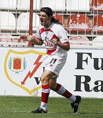 Jofre celebrando uno de los goles marcados esta temporada pasada con el Rayo Vallecano