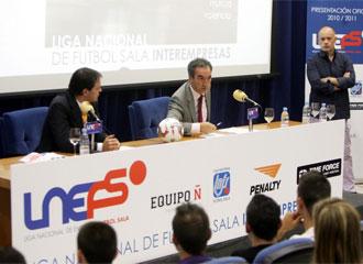 Javier Lozano, durante la presentaci�n de la Liga Nacional Interempresas