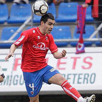 Dimas, autor del gol del empate del Numancia en Burgos, durante un partido de la pasada temporada con los sorianos
