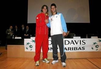 Nadal y Djokovic durante el Espa�a-Serbia de Copa Davis el a�o pasado en Benidorm.