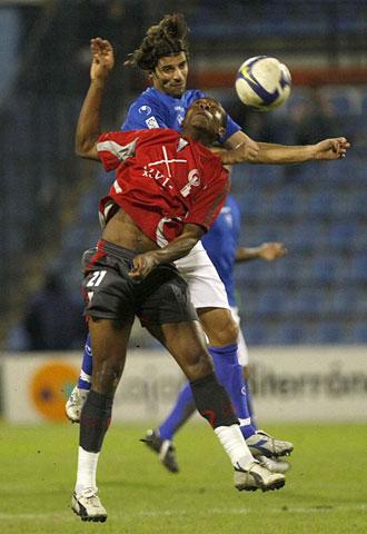 Nkendo, en una foto de archivo en un partido ante el Alicante, anot� los dos primeros goles en La Gineta