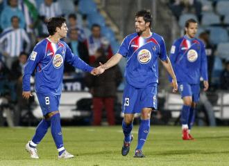 Gavil�n, junto a Adri�n Gonzalez durante un encuentro de la pasada temporada
