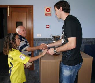 El defensa uruguayo God�n se despide de todos los empleados y jugadores del Villarreal