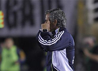 Jos� Mourinho durante el partido del Madrid.