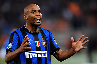 Maicon celebra un gol con el Inter