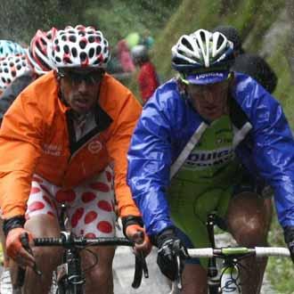 Egoi Mart�nez destac� en el Tour de 2009 luchando por el maillot de la monta�a con el italiano Pellizzoti