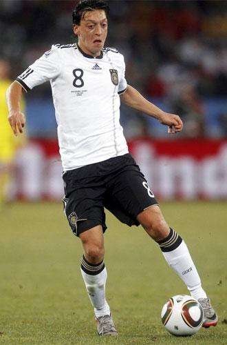 �zil, durante un partido del Mundial de Sud�frica con la selecci�n de Alemania.
