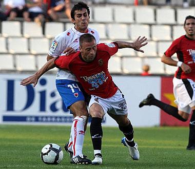 Rub�n Navarro, en la imagen durante el partido de la pasada temporada ante el Numancia, consigui� en Palam�s el gol del triunfo