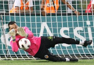 Los valencianistas se llevaron el primer partido del triangular desde los once metros