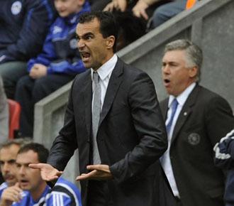 Roberto Mart�nez dirigiendo un partido del Wigan ante el Chelsea en la temporada pasada.