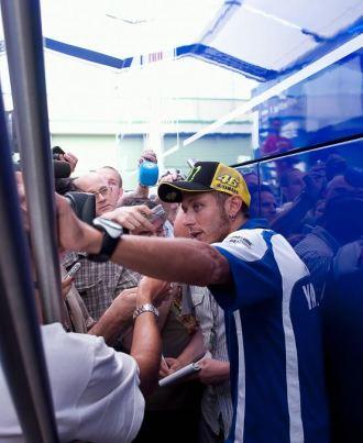 Valentino Rossi, ante la prensa en Breno