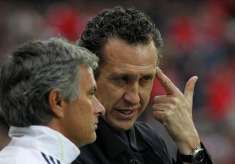 Mourinho y Valdano charlaron antes del inicio del encuentro