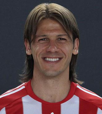 Demichelis sonriente en la foto de presentaci�n del Bayern