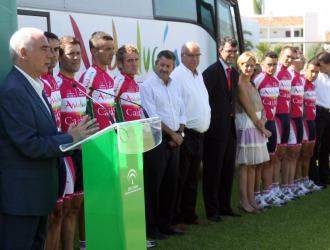 El Andalucía-CajaSur presentó su equipo para la Vuelta a España.