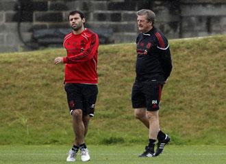 Mascherano junto a su actual t�cnico Roy Hodgson