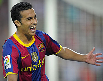 Pedro, celebrando un tanto ante el Sevilla en la Supercopa
